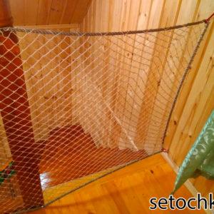 wa11 300x300 Как закрепить защитную сетку на лестницу