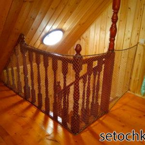wa12 300x300 Как закрепить защитную сетку на лестницу